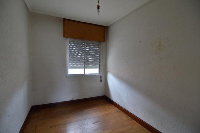Piso en venta en Altsasu/alsasua, Navarra, Calle Alzania, 52.000 €, 3 habitaciones, 1 baño, 69 m2