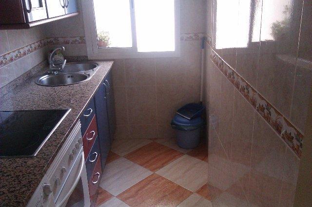 Piso en venta en Distrito Norte, Sevilla, Sevilla, Calle Begonia, 84.900 €, 3 habitaciones, 1 baño, 62 m2