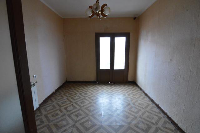 Casa en venta en Ribaforada, Navarra, Calle Tiburcio Arroyo, 65.300 €, 3 habitaciones, 1 baño, 185 m2