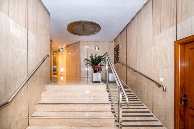 Piso en venta en Cartagena, Murcia, Calle Manuel Wssell de Gimbarda, 179.100 €, 4 habitaciones, 2 baños, 140 m2