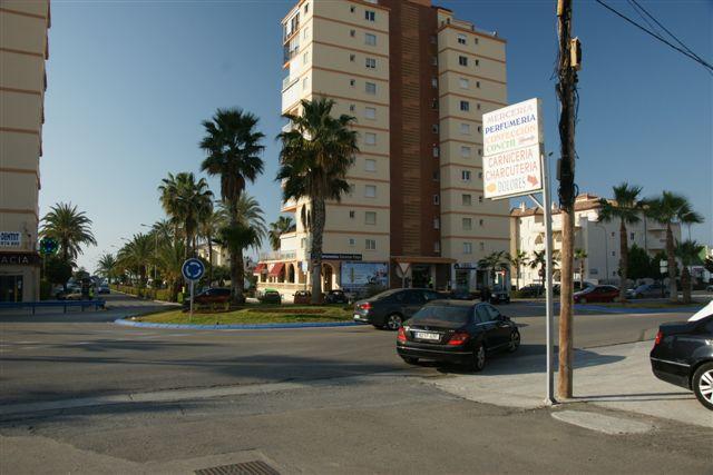 Suelo en venta en Torrox, Málaga, Calle Almería, 380.000 €, 300 m2