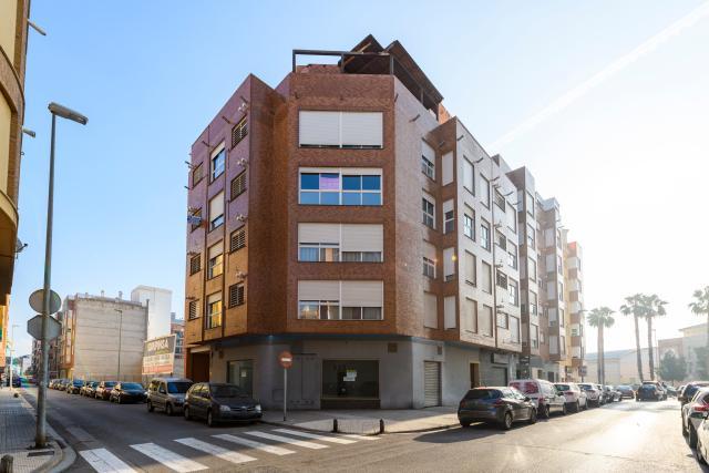 Piso en venta en Poblados Marítimos, Burriana, Castellón, Calle Asumpta Gonzalez Cubertorer, 75.700 €, 3 habitaciones, 2 baños, 116 m2