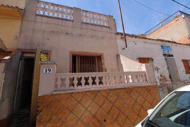 Piso en venta en Masia Nova, Vilanova I la Geltrú, Barcelona, Calle Ermengardis, 95.000 €, 1 baño, 54 m2