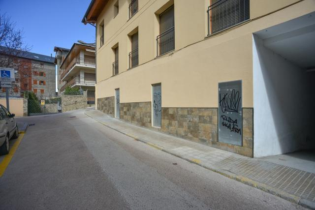 Local en venta en Mas D`en Candi, Puigcerdà, Girona, Avenida Cerdanya, 439.000 €, 383 m2