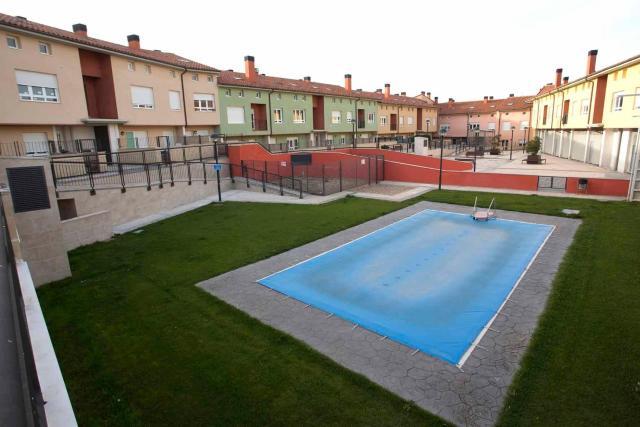 Piso en venta en Cogollos, Burgos, Calle Novillo, 74.800 €, 118 m2
