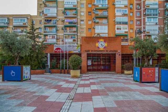 Local en venta en Leganés, Madrid, Calle la Sagra, 256.500 €, 100 m2