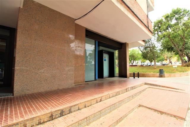 Local en alquiler en Les Botigues, Gavà, Barcelona, Calle Sant Nicasi, 1.760 €, 249 m2