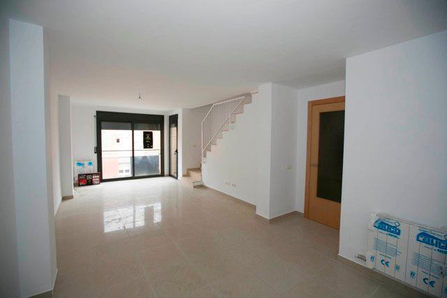 Piso en venta en La Colònia, Calaf, Barcelona, Calle Josep Torra I Closa, 55.900 €, 2 habitaciones, 1 baño, 58 m2