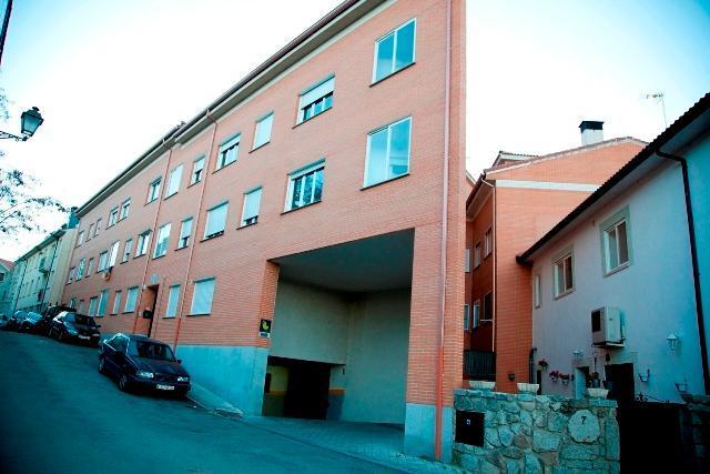Piso en venta en El Espinar, Segovia, Calle Carpinteros, 74.000 €, 111 m2