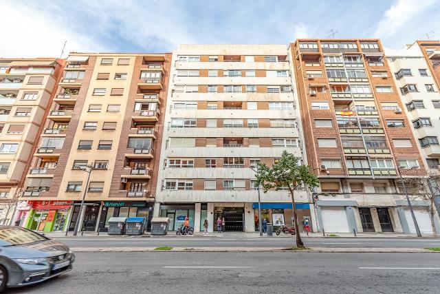 Piso en venta en Valencia, Valencia, Avenida Cardenal Benlloch, 334.100 €, 4 habitaciones, 2 baños, 185 m2