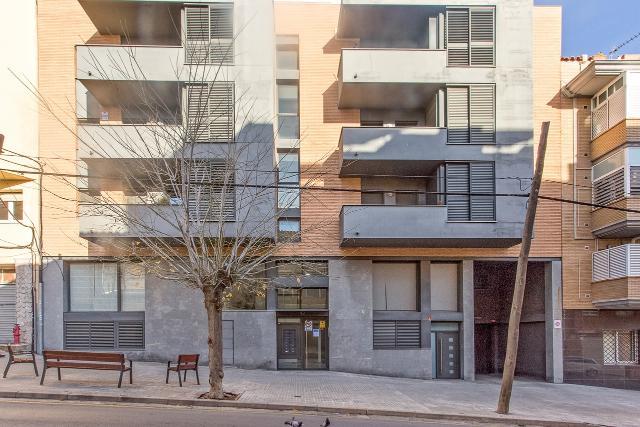 Piso en venta en Ripollet, Barcelona, Calle Virgen de Montserrat, 175.000 €, 3 habitaciones, 2 baños, 79 m2