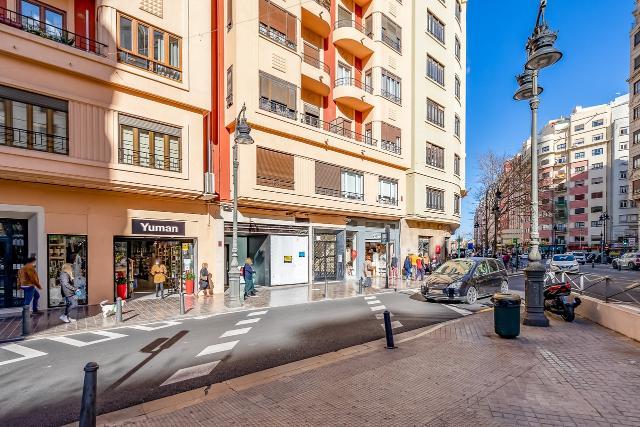 Local en venta en Valencia, Valencia, Avenida del Baron de Carcer, 600.000 €, 235 m2
