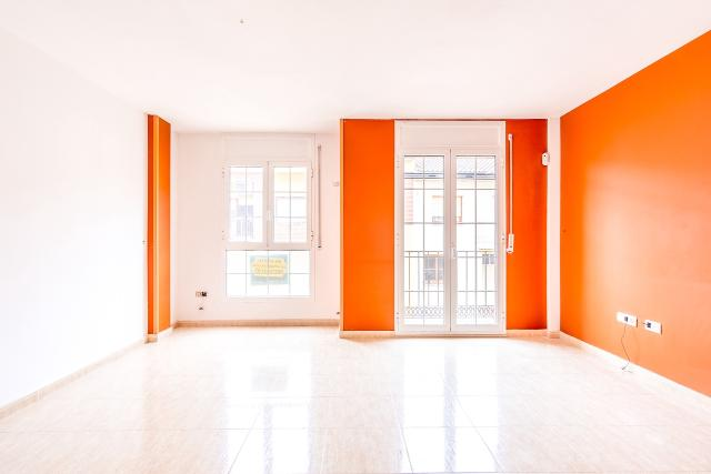 Piso en venta en Binéfar, Huesca, Calle Gerona, 214.000 €, 4 habitaciones, 2 baños, 272 m2