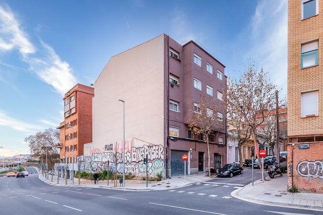 Piso en venta en Badalona, Barcelona, Calle San Felip I Roses, 192.000 €, 4 habitaciones, 1 baño, 95 m2