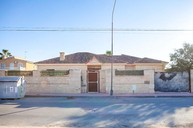 Casa en venta en San Vicente del Raspeig/sant Vicent del Raspeig, Alicante, Calle Cedro, 395.000 €, 4 habitaciones, 3 baños, 450 m2