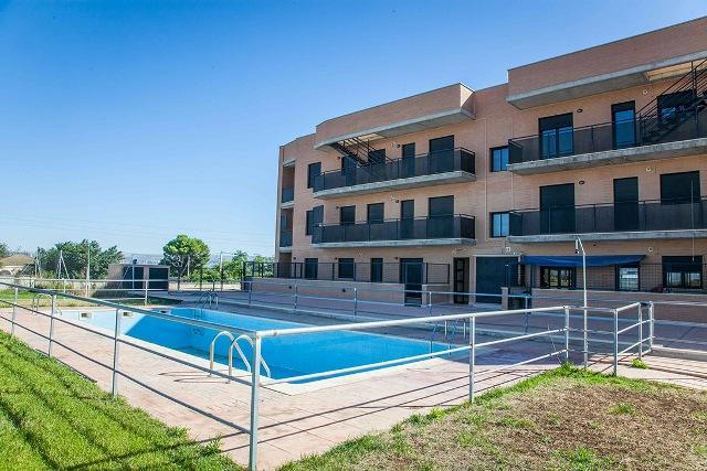 Piso en venta en Marlofa, Zaragoza, Zaragoza, Calle Escuelas, 81.400 €, 84 m2