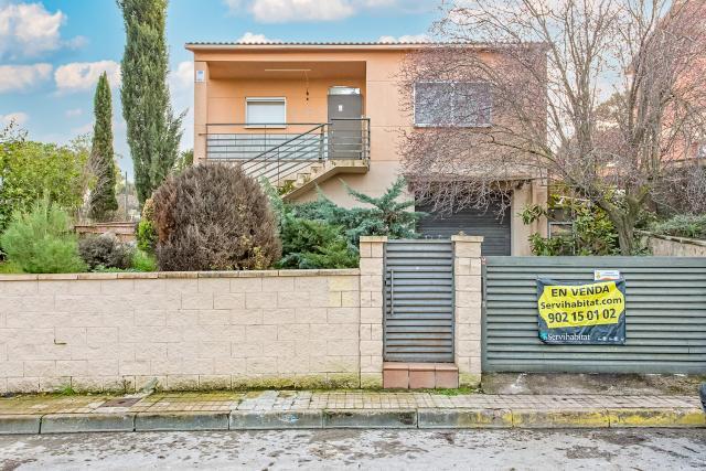Casa en venta en La Torre de Claramunt, Barcelona, Calle Manresa, 172.000 €, 4 habitaciones, 2 baños, 163 m2