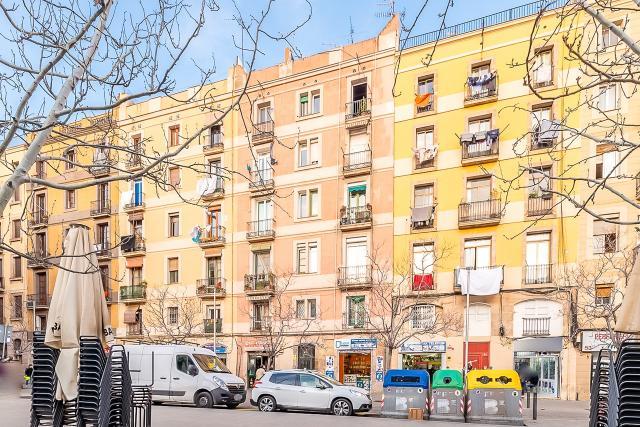 Piso en venta en Barcelona, Barcelona, Calle Robador, 159.000 €, 2 habitaciones, 1 baño, 79 m2