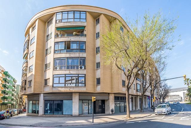Local en venta en Reus, Tarragona, Calle Maria Fortuny, 261.000 €, 223 m2