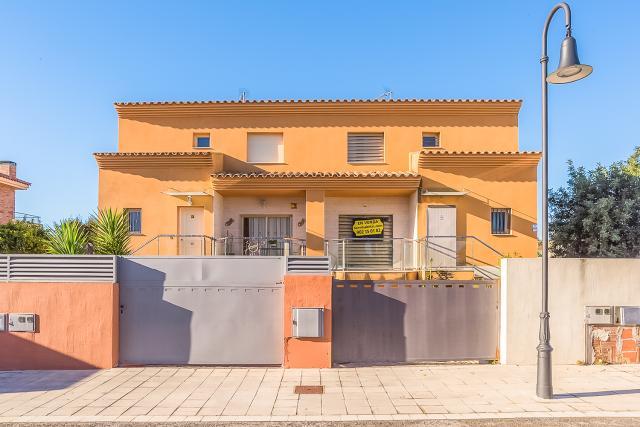 Piso en venta en Roda de Barà, Tarragona, Calle Nuria Espert, 199.000 €, 3 habitaciones, 2 baños, 188,5 m2
