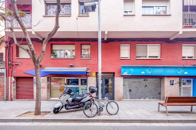 Piso en venta en Cerdanyola del Vallès, Barcelona, Calle Escoles, 139.000 €, 4 habitaciones, 1 baño, 77 m2