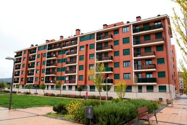 Piso en venta en Miranda de Ebro, Burgos, Calle Altamira, 85.300 €, 103 m2