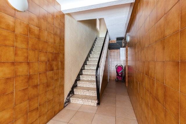 Piso en venta en Santa Coloma de Gramenet, Barcelona, Avenida Francesc Macia, 107.100 €, 2 habitaciones, 1 baño, 63 m2