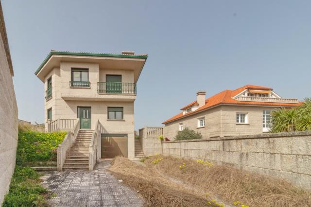 Casa en venta en Sanxenxo, Pontevedra, Paraje Catadoiro- Parroquia de Adigna, 290.000 €, 274 m2