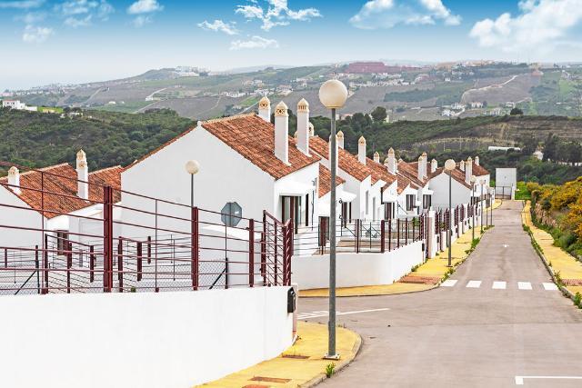 Casa en venta en Casares Costa, Casares, Málaga, Urbanización Doña Julia, 155.000 €, 241 m2