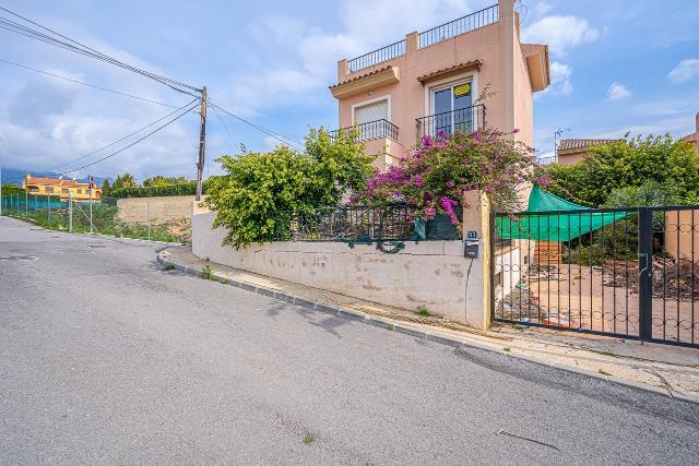Casa en venta en La Nucia, Alicante, Avenida Pi, 185.000 €, 2 habitaciones, 3 baños, 170 m2