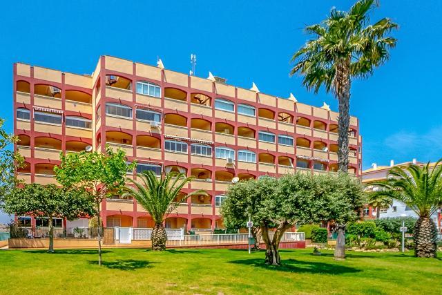 Piso en venta en La Mata, Torrevieja, Alicante, Calle Helena Urb.torreblanca, 109.000 €, 2 habitaciones, 1 baño, 74 m2