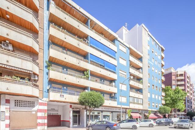Piso en venta en Gandia, Valencia, Calle Ciutat de Barcelona, 98.000 €, 3 habitaciones, 2 baños, 131 m2