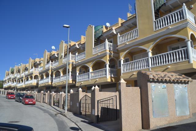 Casa en venta en Algorfa, Algorfa, Alicante, Calle Salvador Dali-resid. Costa Dorada Vi, 82.000 €, 90 m2