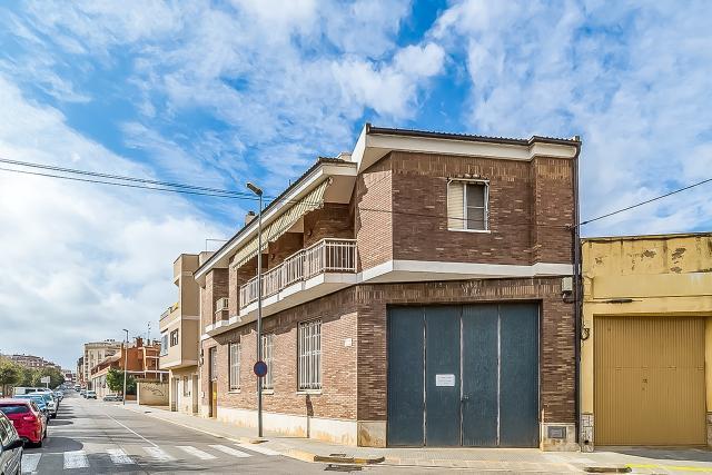 Casa en venta en Mas de Miralles, Amposta, Tarragona, Calle Italia, 235.300 €, 3 habitaciones, 2 baños, 300 m2