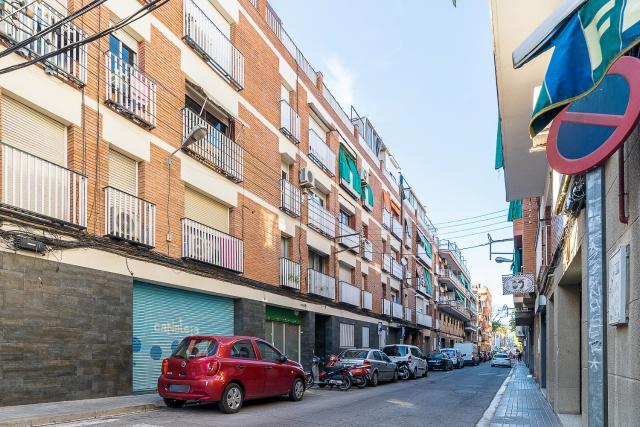Piso en venta en Montigalà, Badalona, Barcelona, Calle Sicilia, 104.500 €, 2 habitaciones, 1 baño, 63 m2