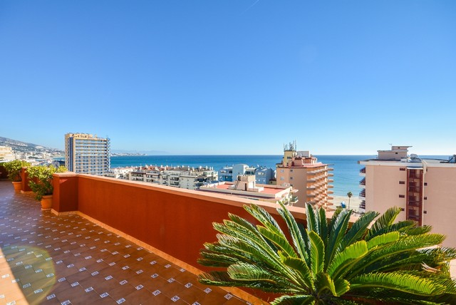 Piso en venta en Fuengirola, Málaga, Avenida los Boliches, 1.500.000 €, 4 habitaciones, 3 baños, 681 m2