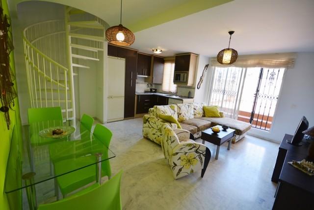 Piso en venta en Fuengirola, Málaga, Calle Chumbera, 155.000 €, 3 habitaciones, 2 baños, 97 m2