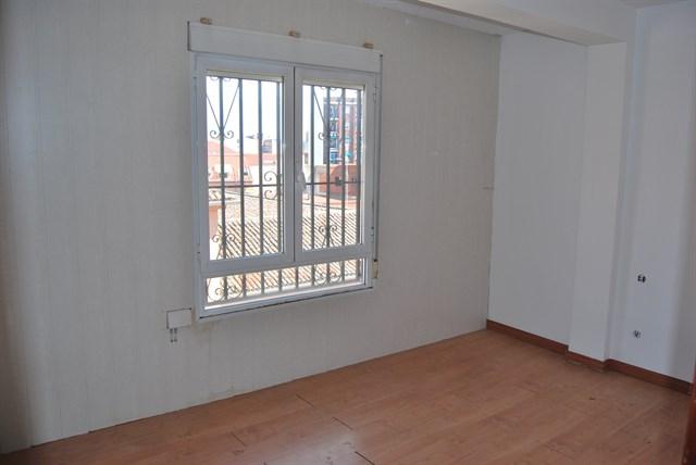 Piso en venta en Talavera de la Reina, Toledo, Calle Olivares, 36.000 €, 3 habitaciones, 1 baño, 96 m2