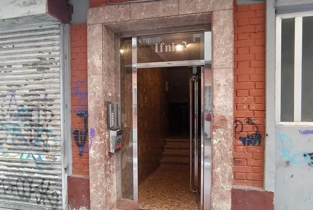 Piso en venta en Las Delicias, Valladolid, Valladolid, Calle Ifni, 45.000 €, 3 habitaciones, 1 baño, 85 m2