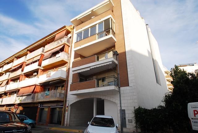 Local en venta en Torredembarra, Tarragona, Calle Indians, 189.600 €, 227 m2