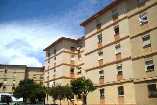 Piso en venta en San García, Algeciras, Cádiz, Calle Guadalmina, 42.000 €, 3 habitaciones, 2 baños, 81 m2