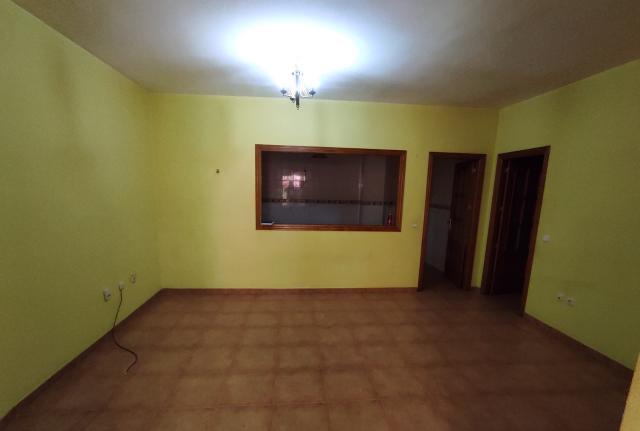 Piso en venta en Santa María del Águila, El Ejido, Almería, Calle Salamanca, 34.300 €, 5 habitaciones, 1 baño, 71 m2
