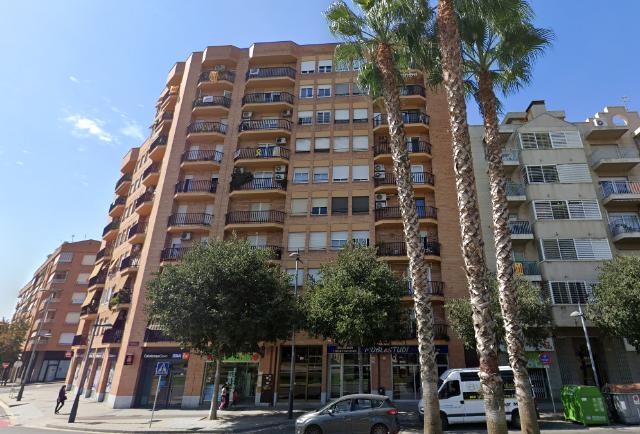 Piso en venta en Sant Josep Obrer, Reus, Tarragona, Avenida Mariano Fortuny, 92.000 €, 4 habitaciones, 2 baños, 96 m2
