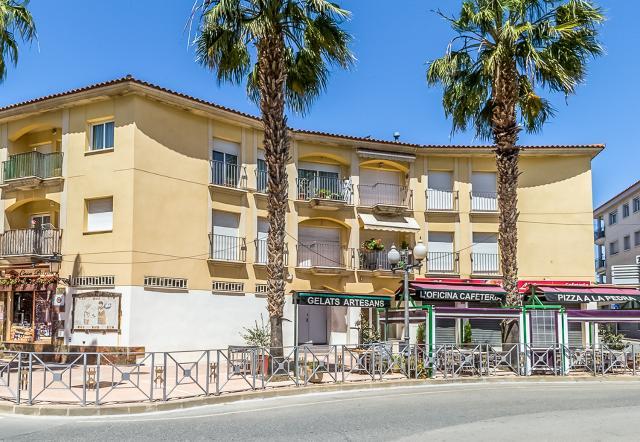 Piso en venta en Roda de Berà, Roda de Barà, Tarragona, Plaza Catalunya, 110.500 €, 6 habitaciones, 2 baños, 85 m2