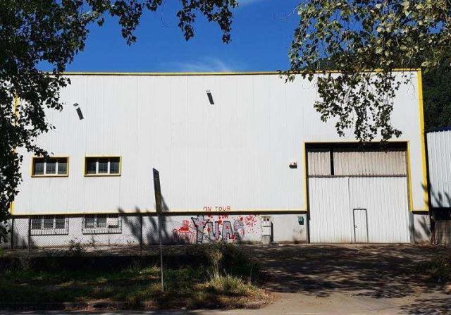 Industrial en venta en Los Corrales de Buelna, Cantabria, Calle Poligono Industrial los Barros Parcela, 296.000 €, 1018 m2