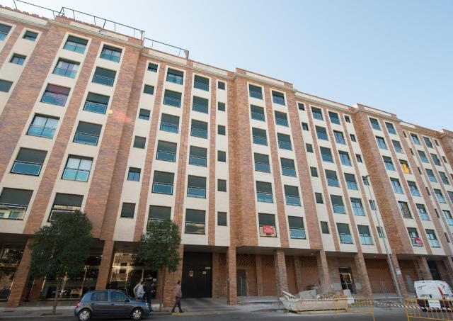 Piso en venta en Ronda Norte - Vidarte, Badajoz, Badajoz, Calle Esteban Sanchez, 156.000 €, 1 baño, 134 m2