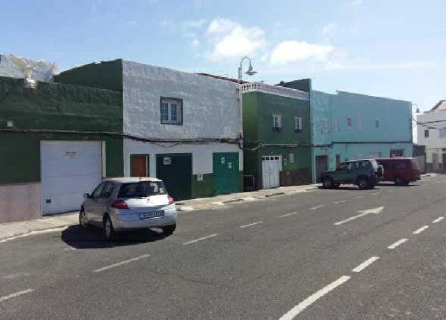 Casa en venta en Santa Lucía de Tirajana, Las Palmas, Avenida Piedras Negras, 170.000 €, 1 baño, 181 m2