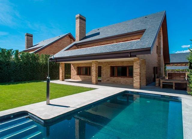 Casa en venta en Las Pueblas, San Sebastián de los Reyes, Madrid, Calle Monte Umbria, 1.099.000 €, 5 habitaciones, 5 baños, 518 m2