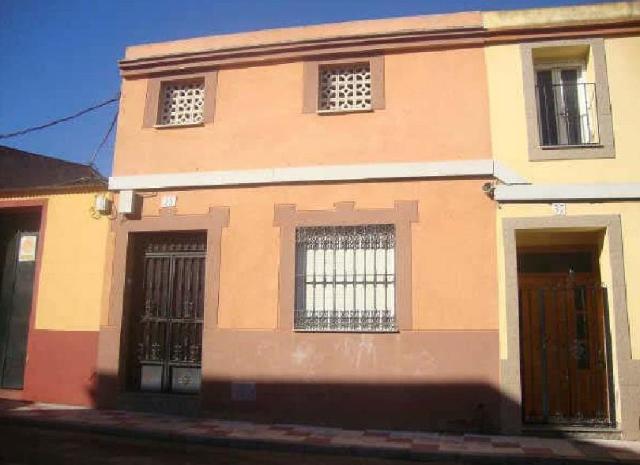 Casa en venta en Don Benito, Badajoz, Calle Tajo, 66.900 €, 3 habitaciones, 1 baño, 109 m2