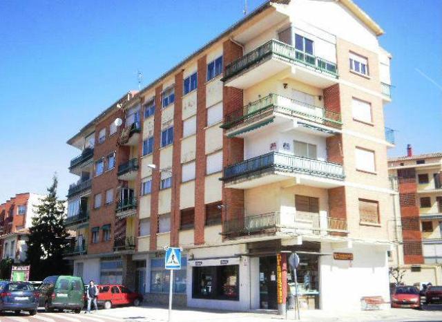 Piso en venta en Oyón/oion, Oyón-oion, Álava, Calle Grupo la Losas, 49.300 €, 3 habitaciones, 1 baño, 87 m2